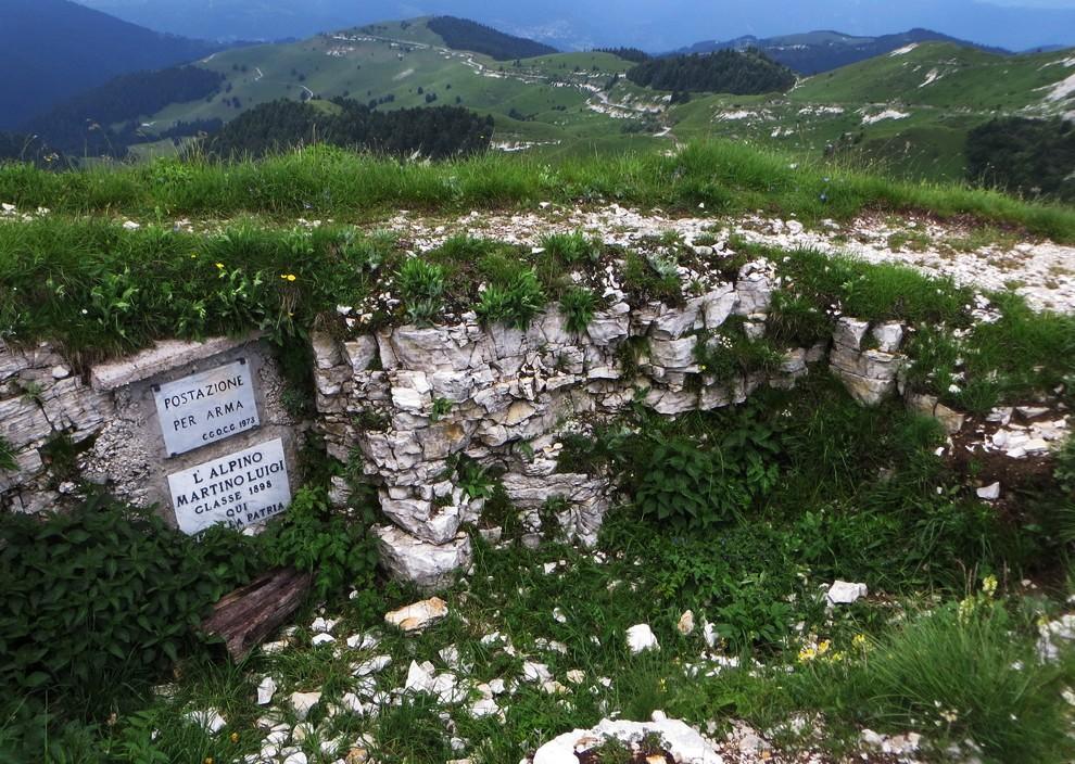 L'Alpino Martino Luigi qui perì per la Patria. A 20 anni!